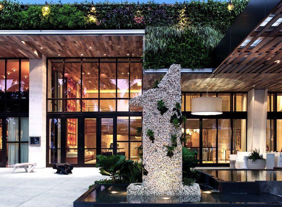 1 Hotel South Beach PHOTO COURTESY OF KOBI KARP ARCHITECTURE & INTERIOR DESIGN INC.